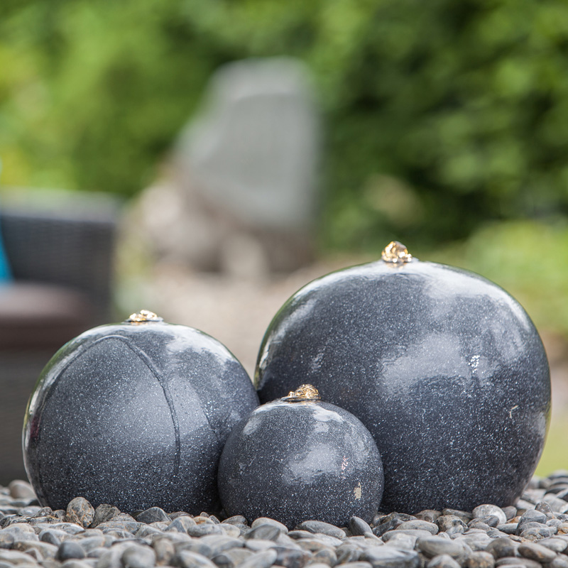 Heissner Gartenbrunnen Saphira LED schwarz